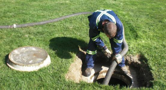 septic pumping (2)